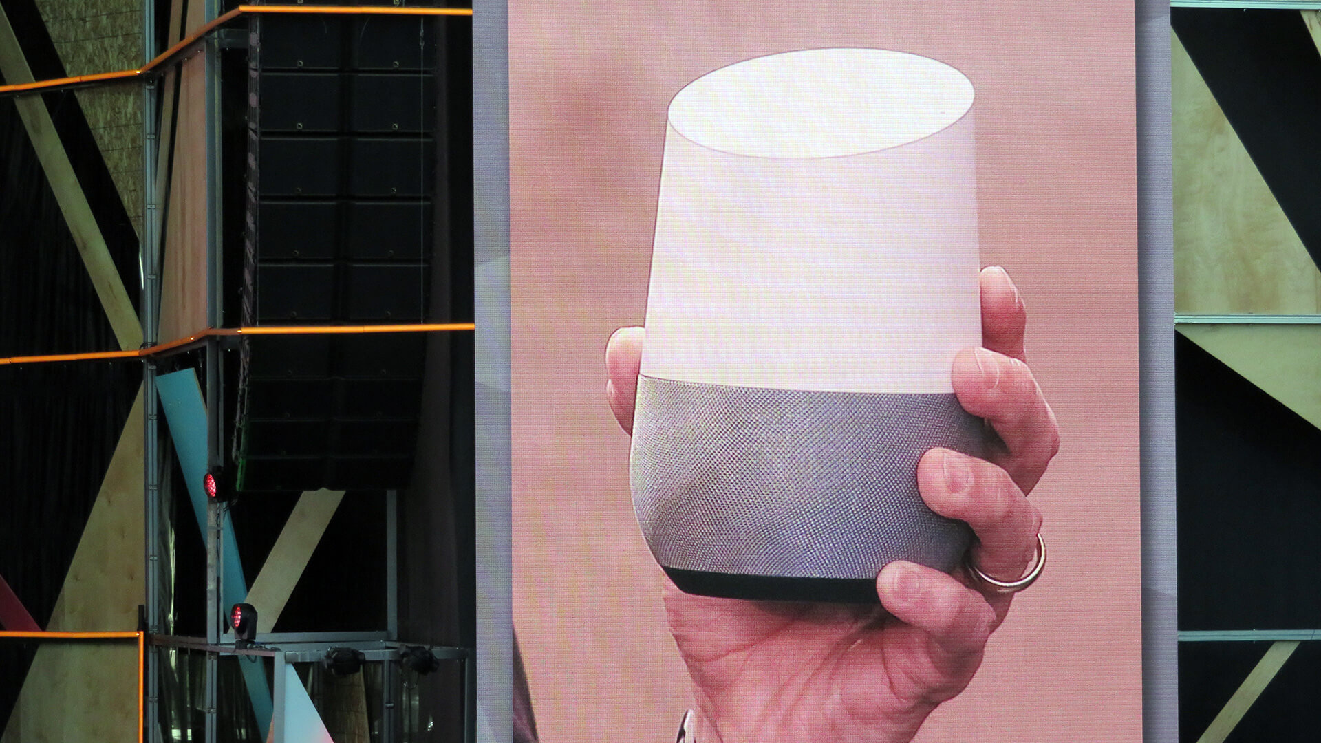 Google sorry about audio review scandal, details privacy changes for Assistant