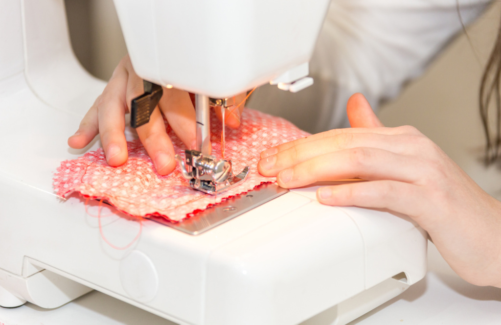 Best Sewing Machines for Crafters and Artists – ARTnews.com