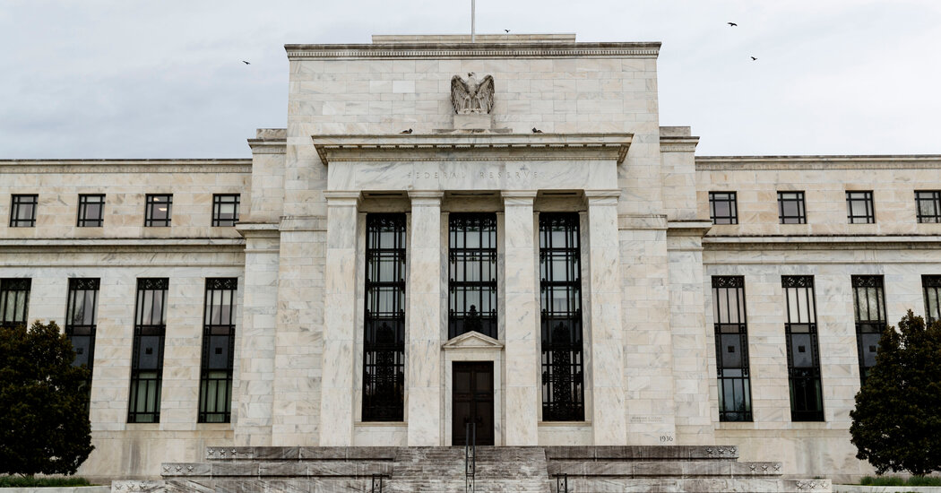 Fed Lets Break for Banks Expire but Opens Door to Future Changes