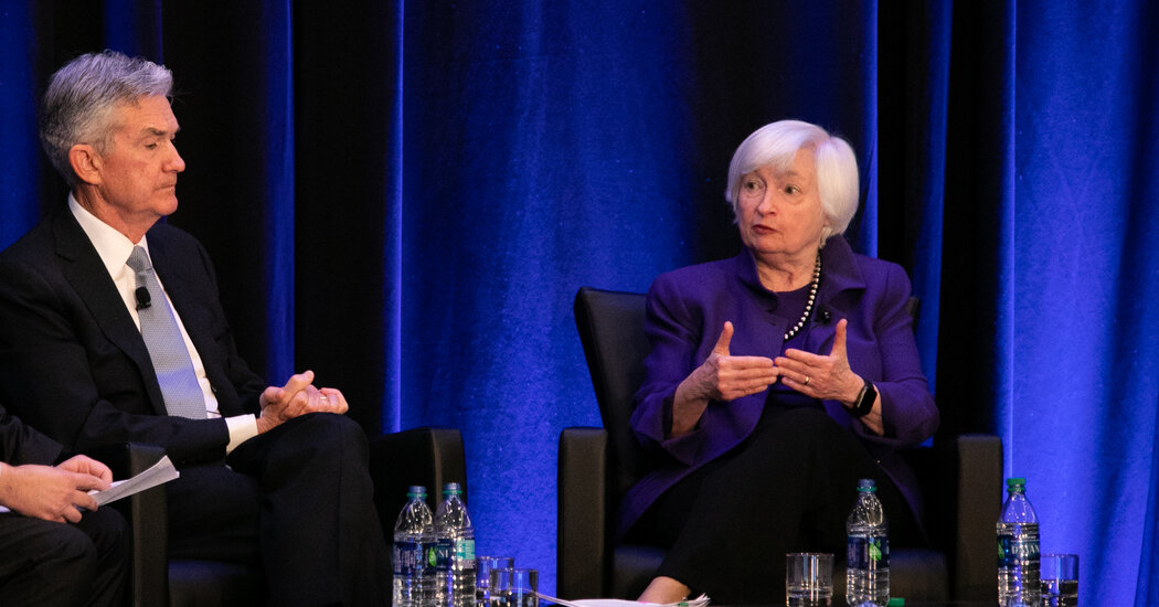 Powell Downplays Inflation Risks as Yellen Foreshadows Future Spending