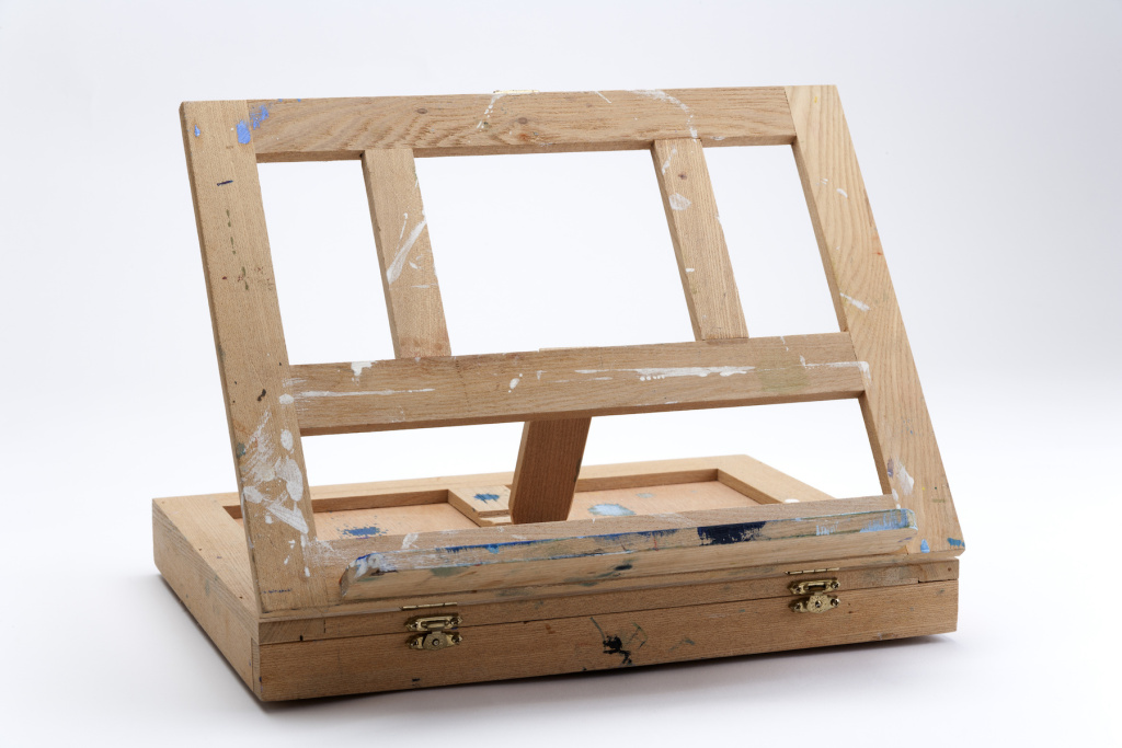 Best Wooden Travel Easels for Painters on the Go – ARTnews.com