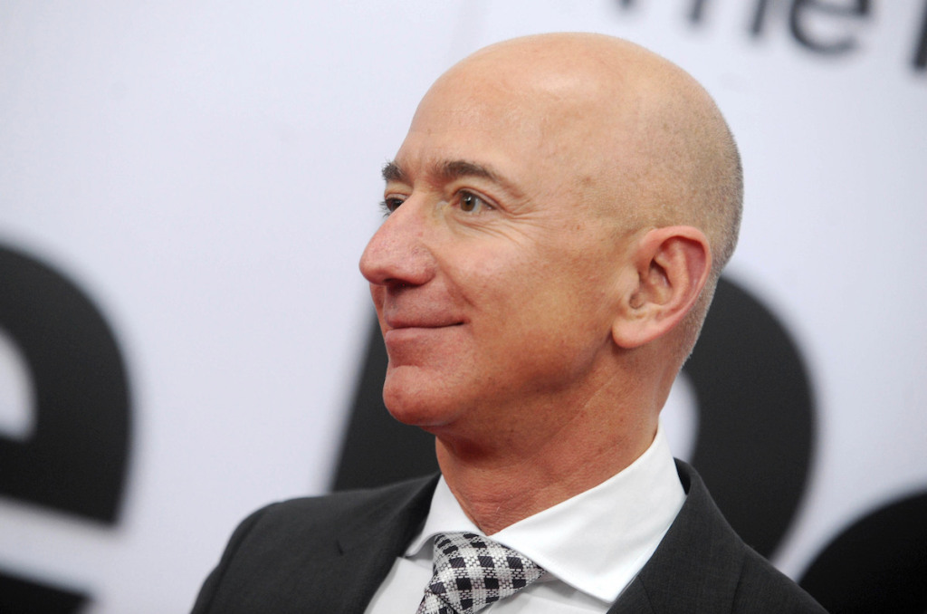 Jeff Bezos Gives $200 M. to Air and Space Museum—and More Art News – ARTnews.com