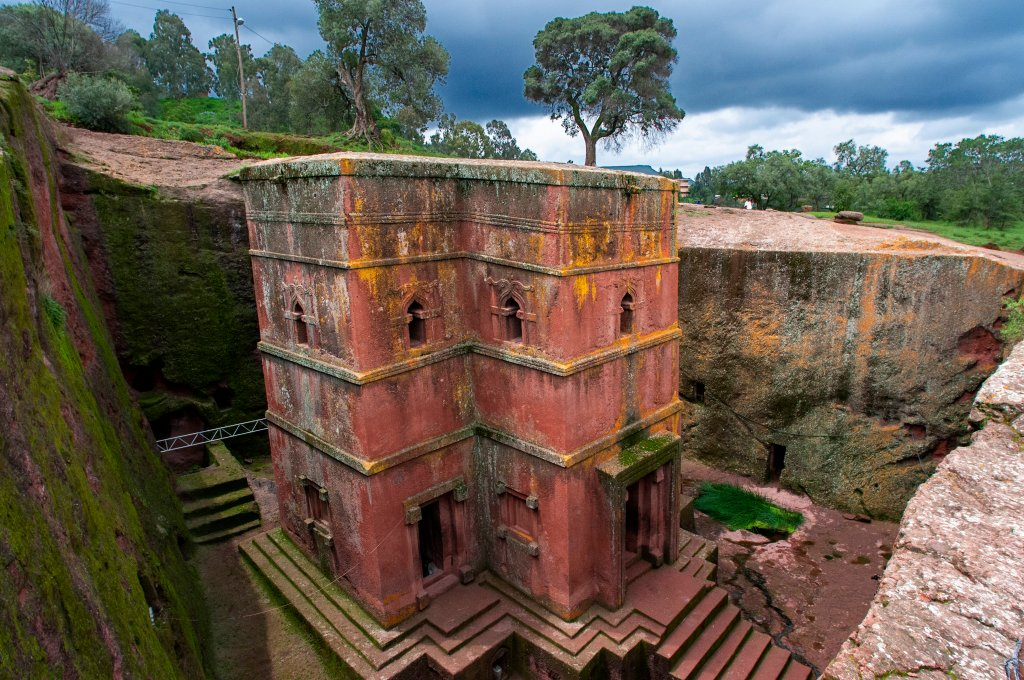 Historic Rock-Hewn Churches in Ethiopia Threatened by Tigray Conflict – ARTnews.com